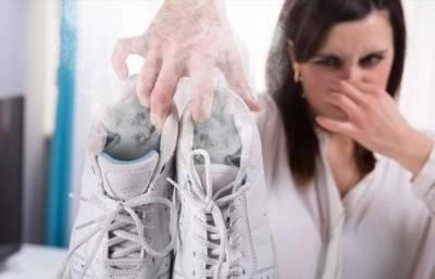 12 советов, как устранить неприятный запах в кроссовках, из-за которого чувствуешь себя неловко