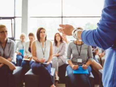 Иллюзия успеха: почему люди отдают последние деньги за тренинги личностного роста