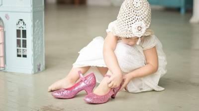 Давайте определимся, как научить ребенка одеваться самостоятельно, да так, чтоб это желания у ребенка не отбить?