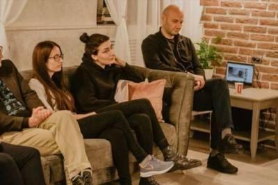 Заседание кавказского литературного клуба закончилось массовой дракой (8 фото)